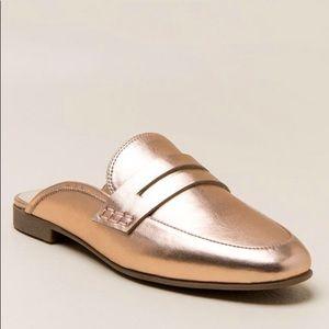 Francesca's Collections Shoes - Franchesca's Paislie Metallic Mule